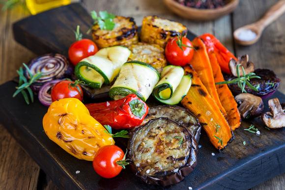 Мясо подождет: что приготовить на мангале, кроме шашлыка