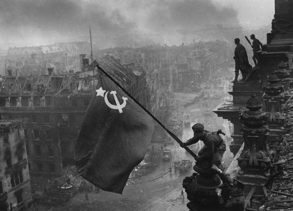 Как победу над фашистской Германией воспринимают в России и на Западе(5 фото)