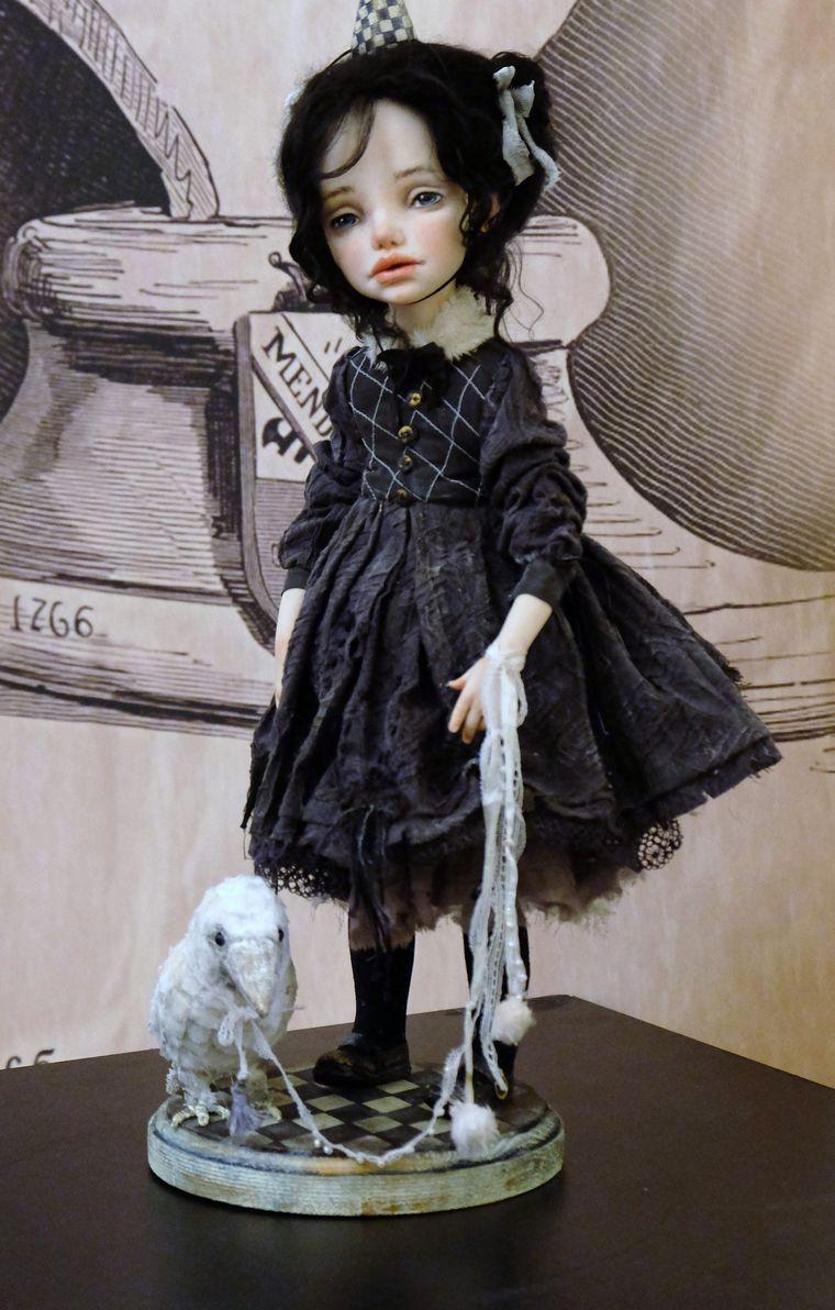 Выставка художественных кукол «Корабль дураков»