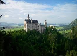Величайший в Европе замок был построен «безумным» королем, жившим в мире снов
