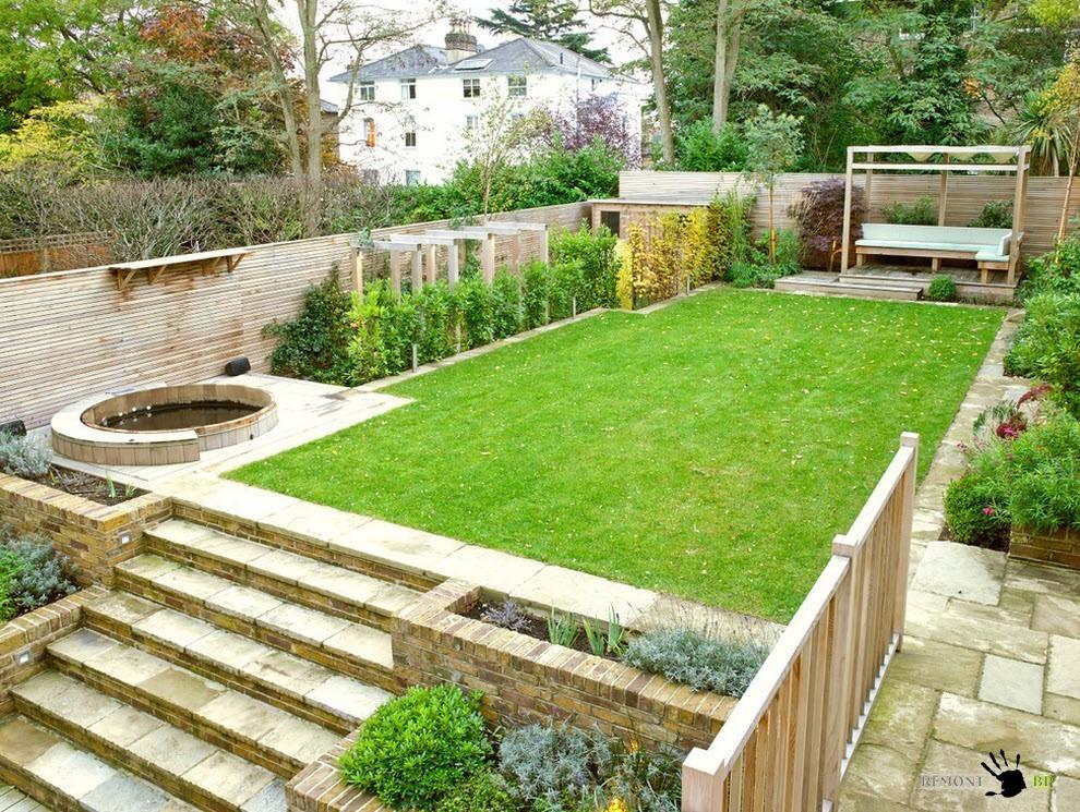 Ландшафтный дизайн двора частного дома с уклоном