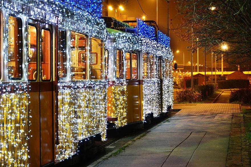 trams09 Чудесные светящиеся трамваи в ночном Будапеште