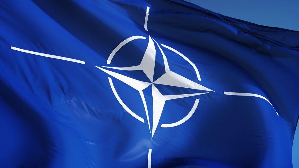 НАТО не может угнаться за во…