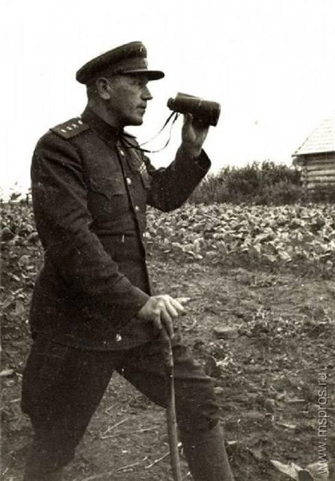 Как генерал Горбатов об особиста палку изломал