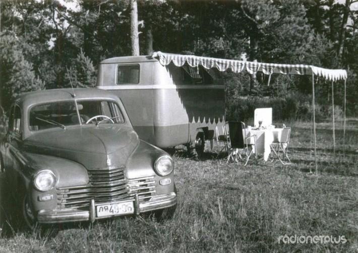 А это первая советская дача на колесах. Выпустили ее в 1958 в Риге.