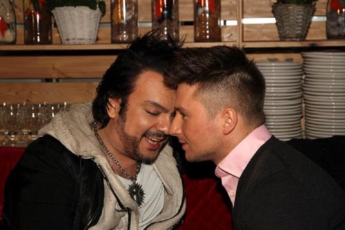 Лазарев и Киркоров пригласили всех геев в Россию