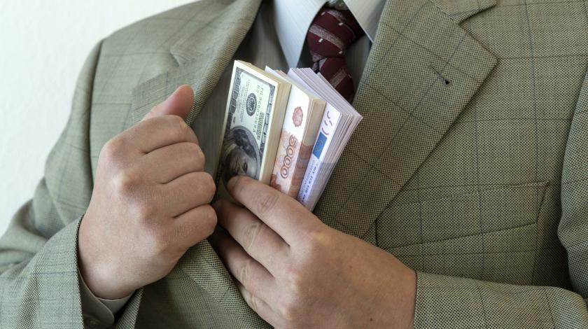 Доллар вырастет на фоне слабого болтающегося рубля