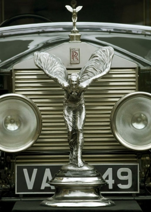Роллс-Ройс - легенда мирового автопрома.