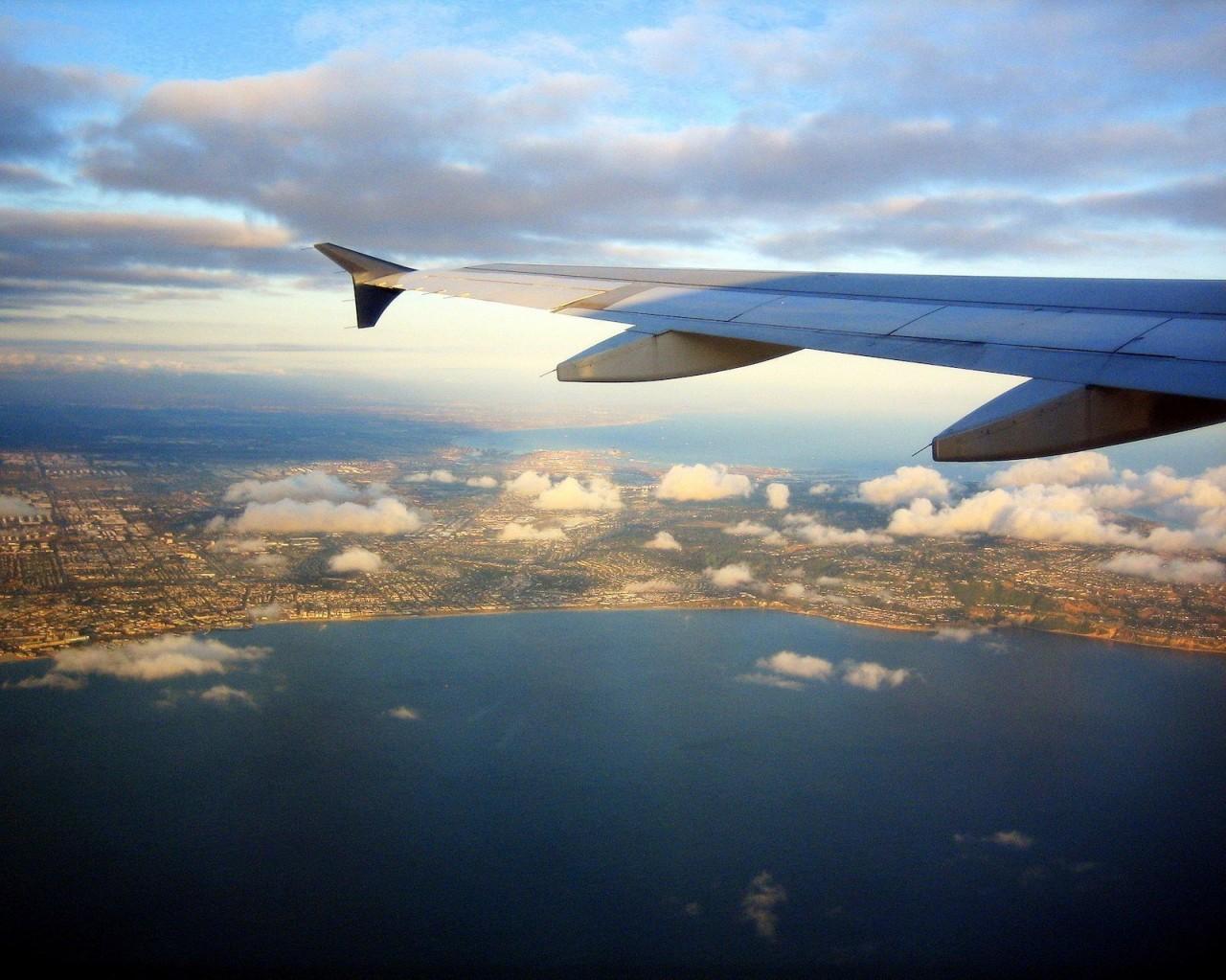 Красочные доказательства того, что в самолёте всегда нужно садиться у окна
