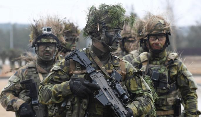 Войска НАТО подошли к границ…