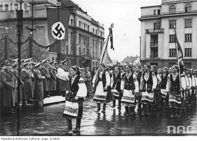 Rzeź wołyńska: «Мы неуиноатые - поляки сами зарезались и распилились»