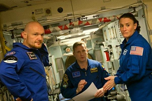 Холодная война в Космосе: американский след в пробоине МКС и падении «Союза»