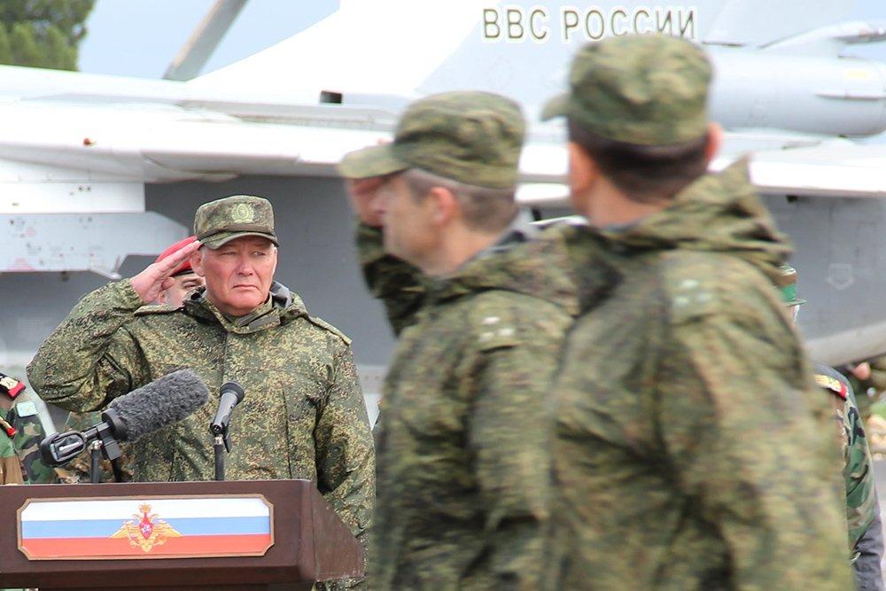 Командующий группировкой войск РФ в Сирии впервые поделился подробностями операции, а мы, наконец, узнали его имя