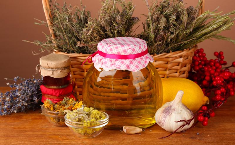 Как применять чай из цветов бузины при простуде