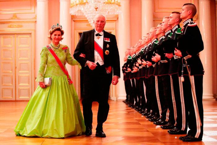 «А папа был против!»: история любви норвежского короля Харальда V и королевы Сони