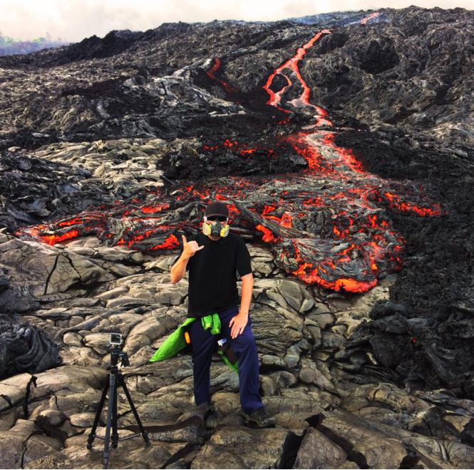 Вот что будет, если забросить камеру GoPro в кипящую лаву (изумительное ВИДЕО)