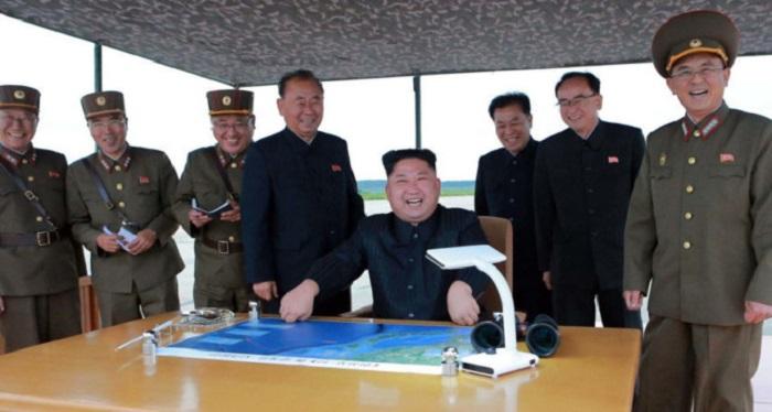 Не смешите наши «Хвасоны»: Ким Чен Ын на запуске баллистической ракеты