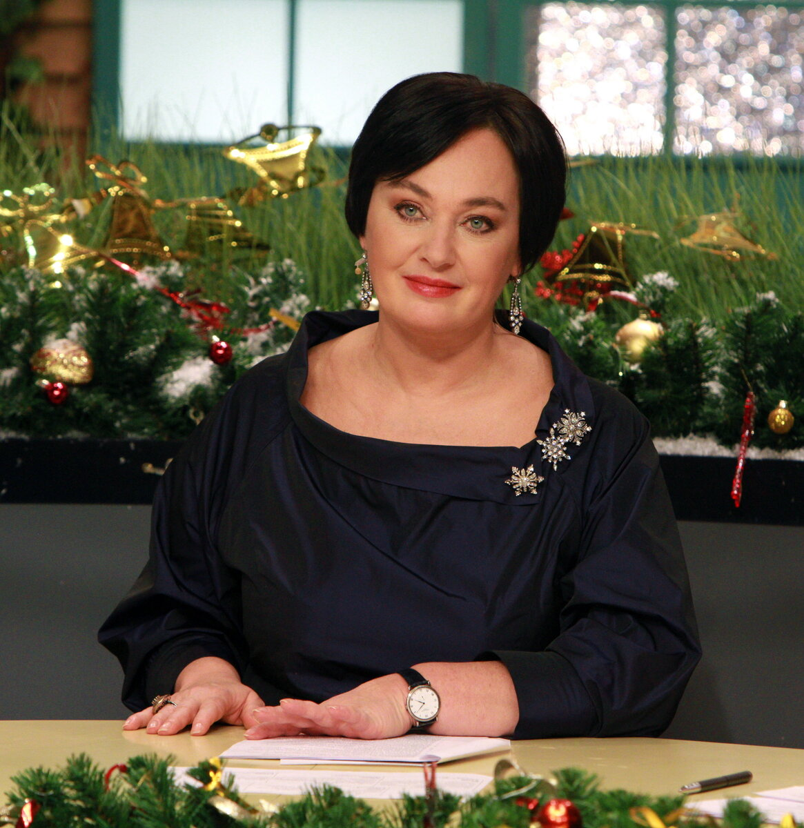 3 неудачных блузы, которые продолжают носить российские звезды