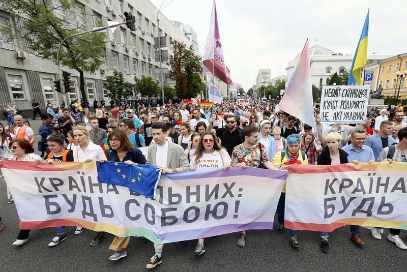 Порошенко не явился на гей-парад в Киеве