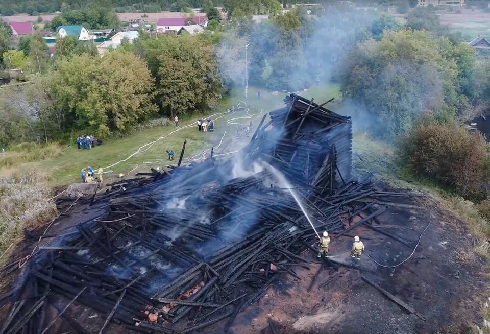 В поджоге деревянной церкви …