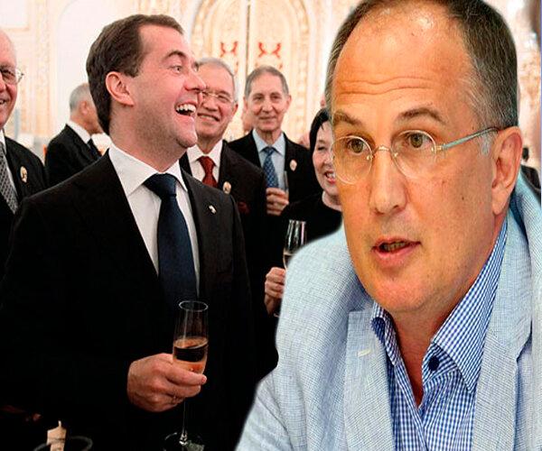 Политолог Калачев: почему россияне завидуют чиновникам? Чиновники заслужили привилегии