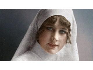 «Боже, спаси Россию»: как сестра милосердия повела роту на бой с немцами и стала героем
