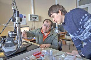 Сложные профессии помогают сохранить гибкий ум - ученые