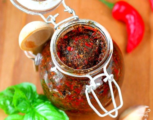 Аджика из острого и болгарского перцев