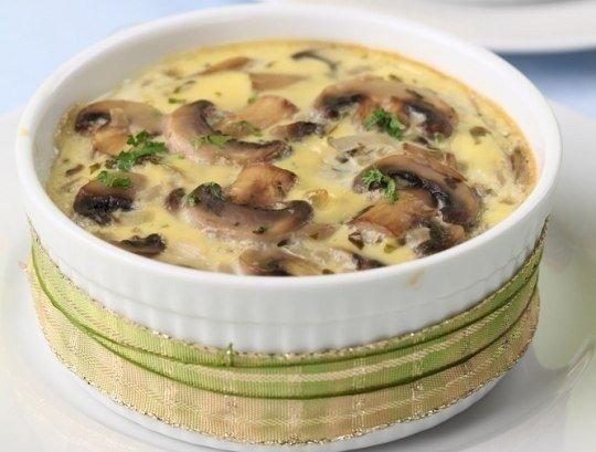 Осенний ароматный грибной жюльен с плавленным сыром