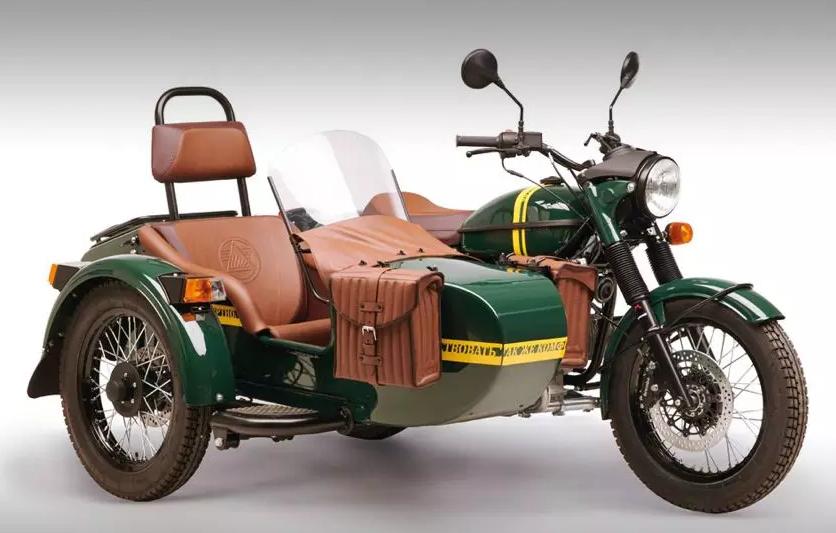 Австрийцы сделали спецверсию мотоцикла «Урал» с канистрой водки