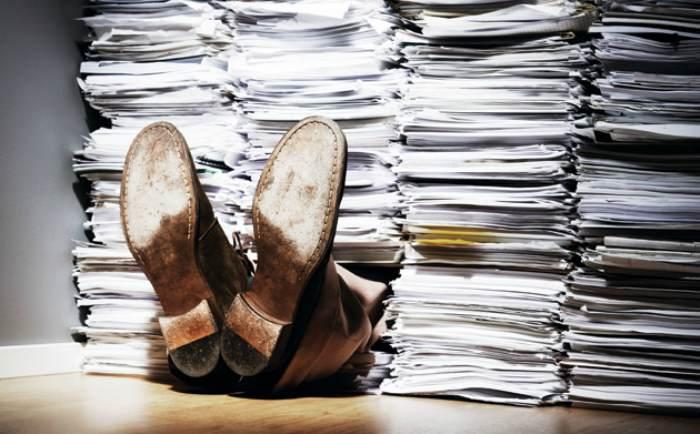 Беспросветная жизнь трудоголика… Знакомо?