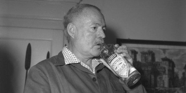 Эрнест Хемингуэй и водка, 1940-е. история, люди, мир, фото