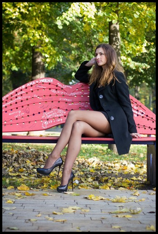 Leggy solo girl Caprice A stripping naked outdoors on street  1003997