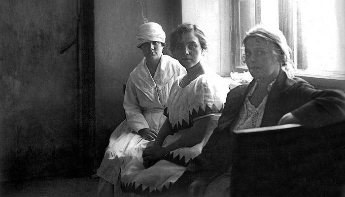 Продажная любовь в СССР: Из-за чего благополучные и обеспеченные советские женщины шли «на панель»