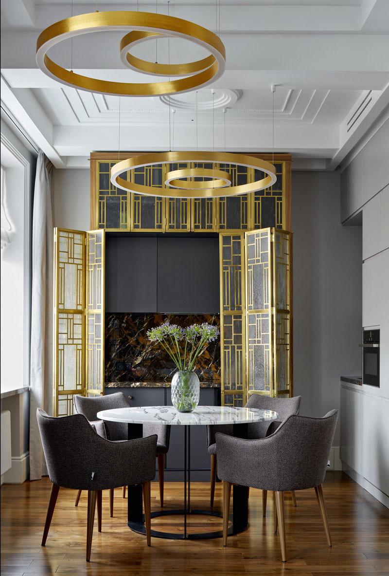 Эффектный дизайн с элементами ар-деко в небольшой квартире в Москве (47 кв. м)