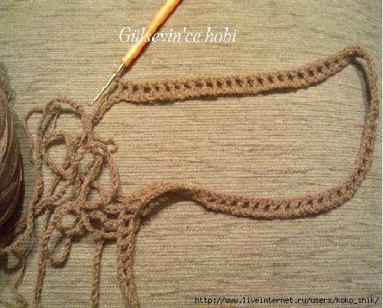 Простой узор крючком из остатков ниток