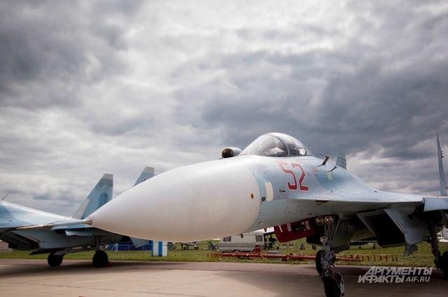 На Украине провели учебный бой между Су-27 и F-15