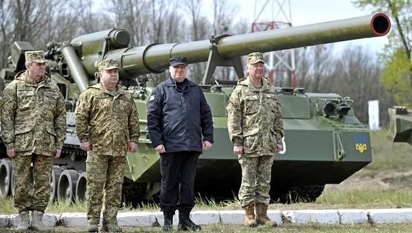 Украина показала новые и модернизированные ПТРК и САУ