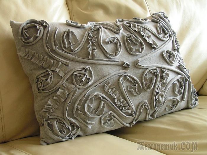 Шьем подушку из старой трикотажной футболки