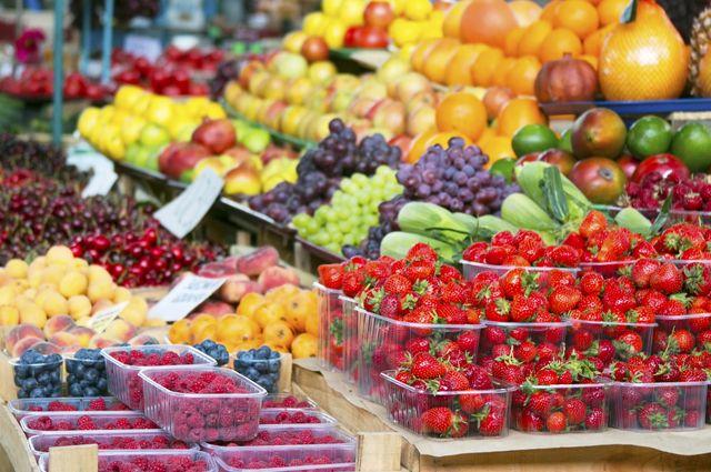Откуда к нам едут ягоды и ст…