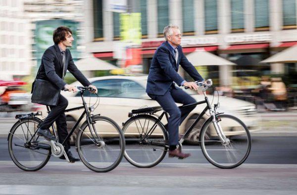 Почему полезно добираться до работы на велосипеде?