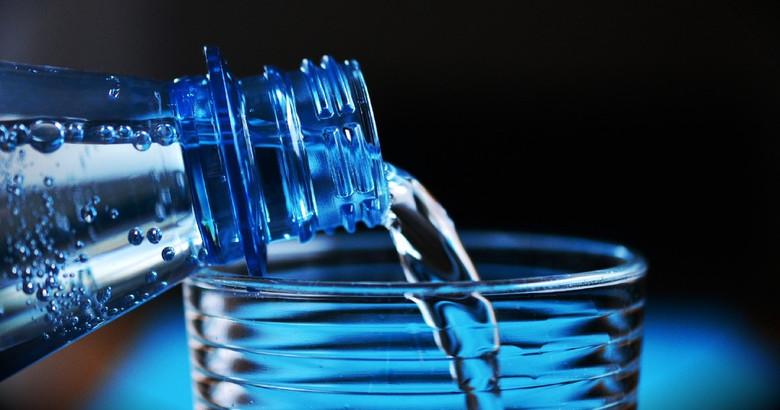 Одна из самых интересных теорий заговора: Фторированная вода подавляет личность человека