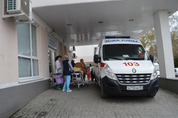 Самолёт МЧС России транспортировал тяжелобольных севастопольцев в Санкт-Петербург (ФОТО)