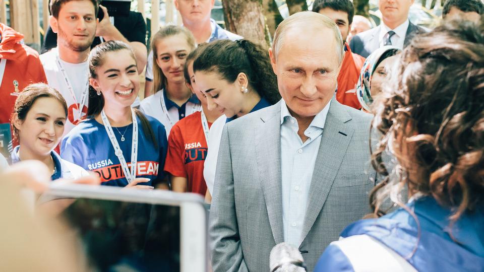 ФОМ: рейтинг Путина снова на…