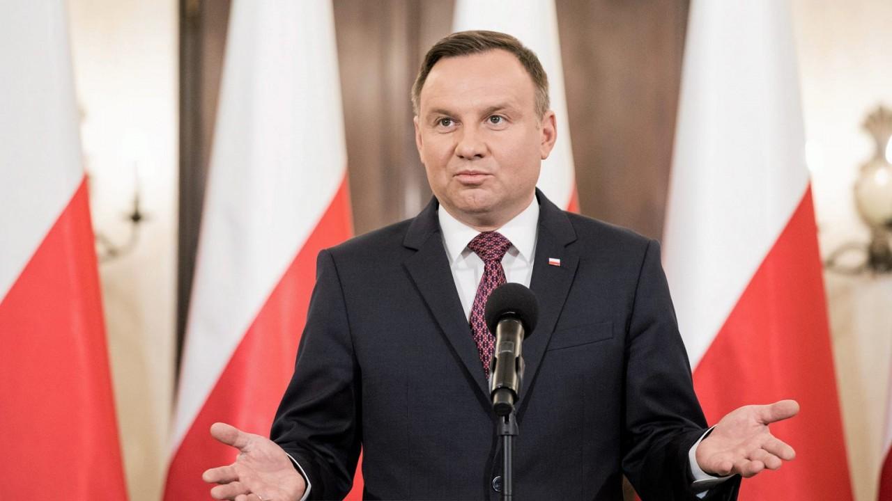 Варшава передумала и опять прогнулась под США