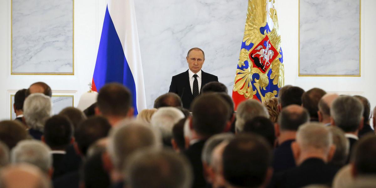 """""""Мелочь,а приятно"""" :Инет веселится над найденными 2 млрд Путина в оффшорах"""