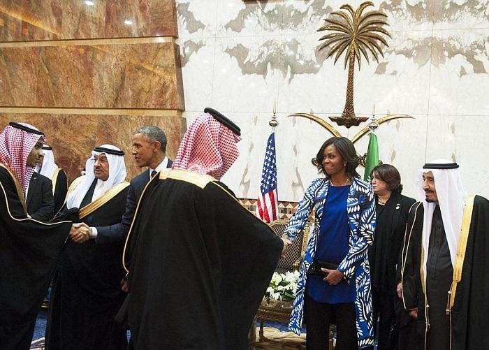 Мишель Обама во время визита в Саудовскую Аравию нарушила два главных закона шариата