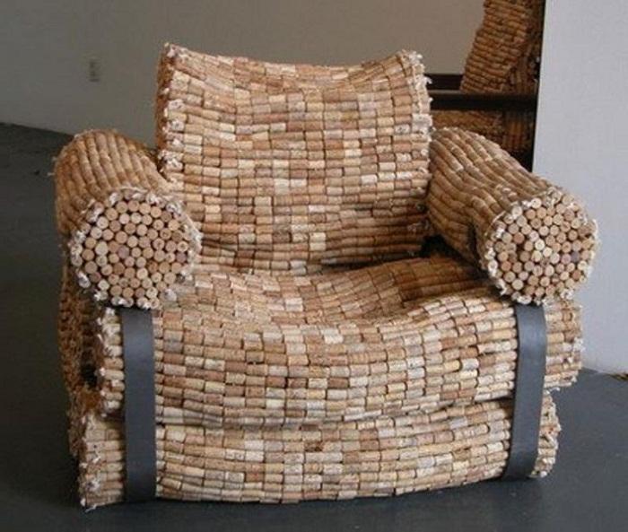 Невероятно удобное кресло из пробок.