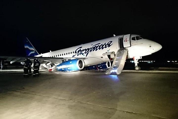 В Интернете появились первые кадры ЧП с самолетом в Якутске