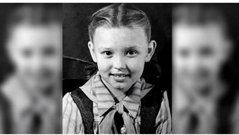 Картинки по запросу обычная советская школьница